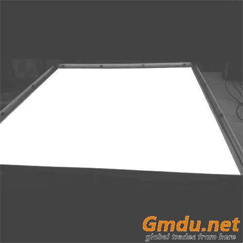 Light guide panel for LED slim light box