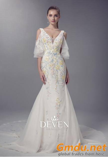 V-Neckline Colored Lace Applique Sheath Wedding Gown