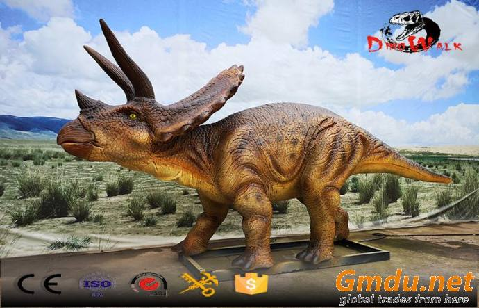 Animatronic dinosaur simulation real lifesize model Triceratops