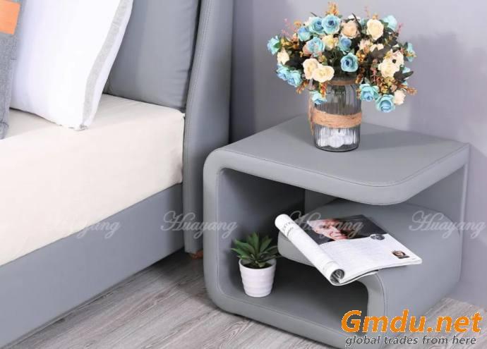 Modern Platform Upholstered Bed
