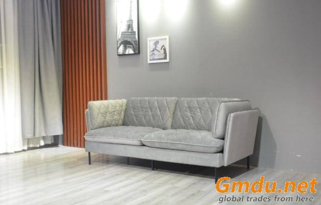 Classic Style Chesterfield Sofa Wooden Sofa