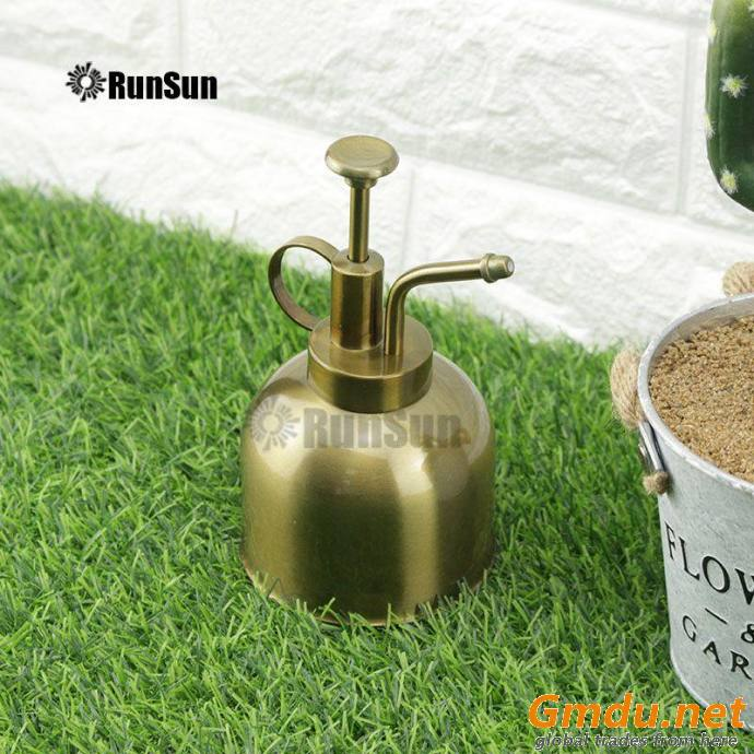 Metal Sprinkling Can Watering Can for Retro gold
