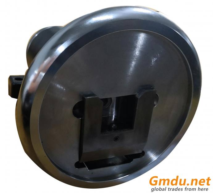 Roll shaft holding safety chuck